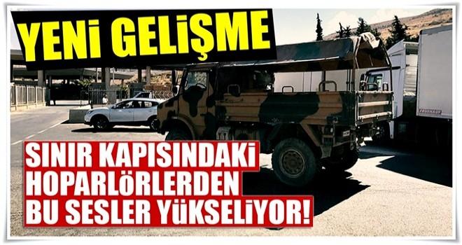 Cilvegözü sınır kapısında hoparlörlerden İstiklal Marşı, Çanakkale türküleri ve kahramanlık şiirleri yükseliyor
