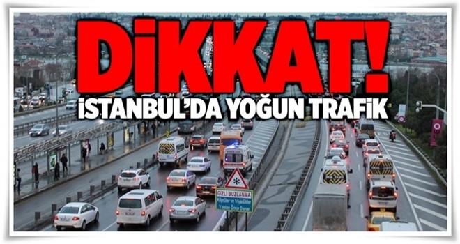 İstanbul'da 'ikinci yarıyıl' trafiği .