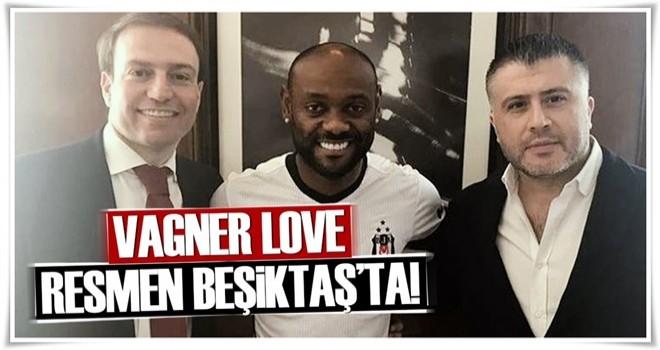 Vagner Love resmen Beşiktaş'ta .
