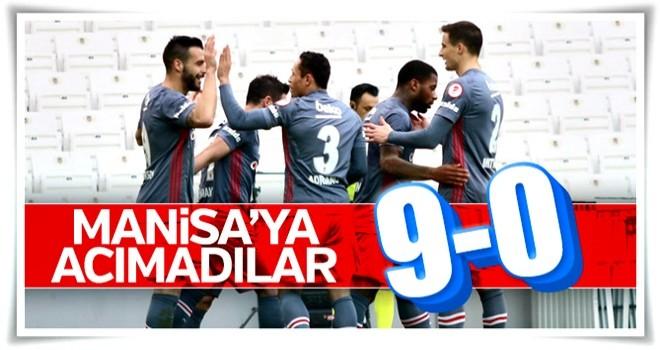 Beşiktaş Manisaspor'a gol oldu yağdı