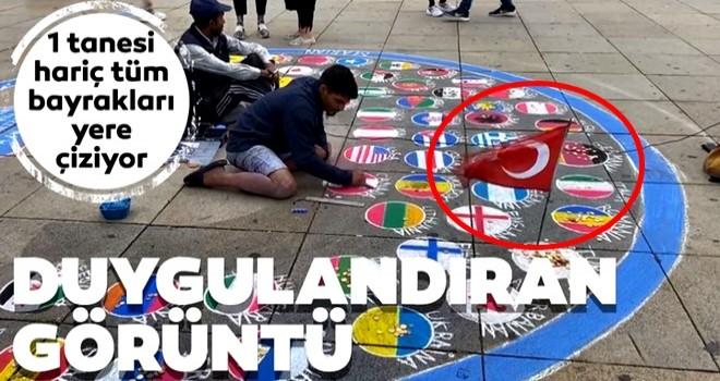 1 tanesi hariç tüm bayrakları yere çiziyor! Duygulandıran Türkiye detayı