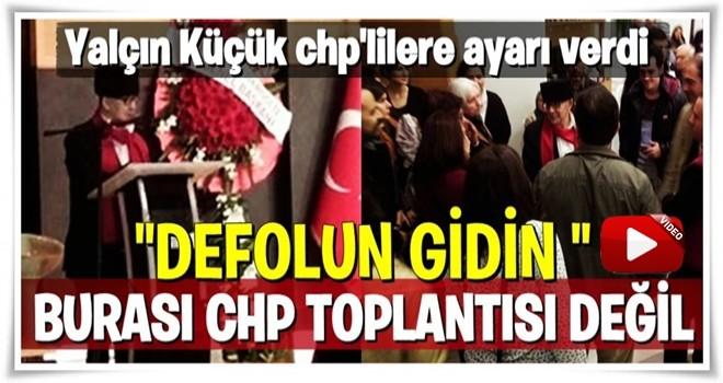 Yalçın Küçük, Kılıçdaroğlu'nun çelengini gösterip