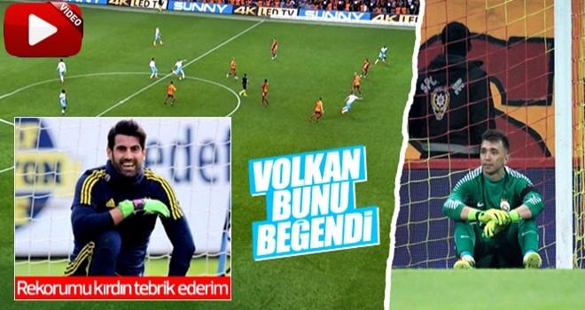 Volkan'dan sonra Muslera da orta sahadan gol yedi