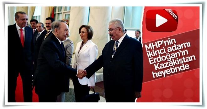 Erdoğan'ı Kazakistan'da MHP'liler de karşıladı