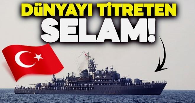 Türk gemileri Kıbrıs'ı böyle selamladı!