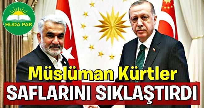 Müslüman Kürtler saflarını sıklaştırdı