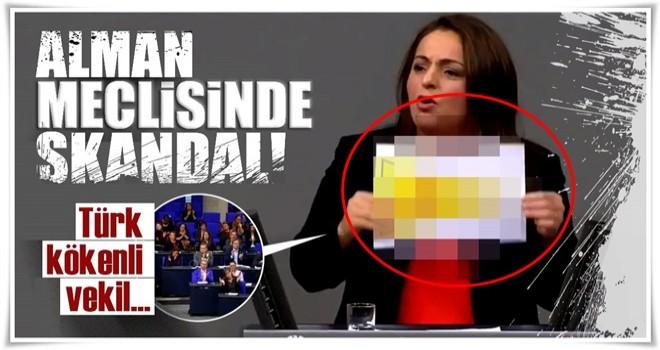 Alman meclisinde skandal hareket! Türk kökenli vekil...