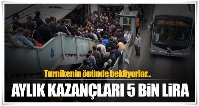 Metrobüs turnikesinin önünde bekliyorlar! Aylık kazançları 5 bin lira
