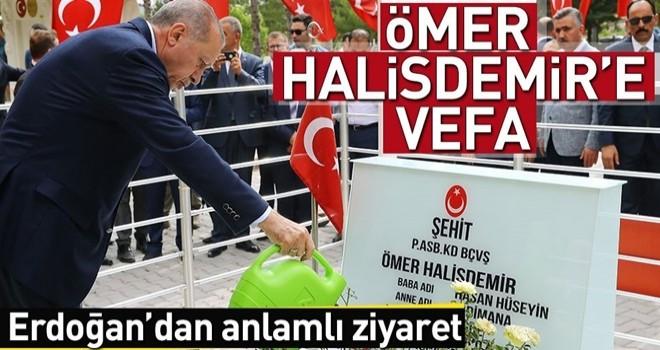 Erdoğan'dan Halisdemir'in kabrine ziyaret .