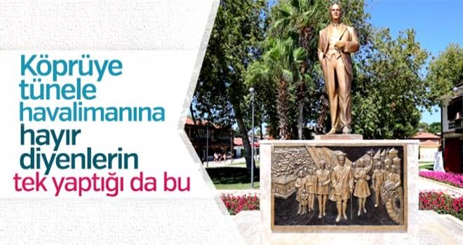 CHP'li belediyeden Side'ye rölyefli Atatürk heykeli