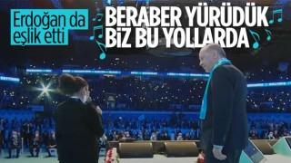 Cumhurbaşkanı Erdoğan, 'Beraber Yürüdük' şarkısına eşlik etti