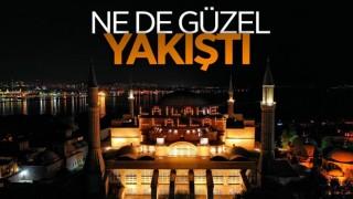 Ayasofya Camii'nde mahya yandı