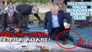 Kemal Kılıçdaroğlu, yer sofrasına ayakkabılarını çıkarmadan oturdu