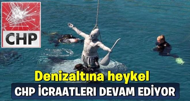 CHP'li Çeşme Belediyesi denize de heykel dikti!